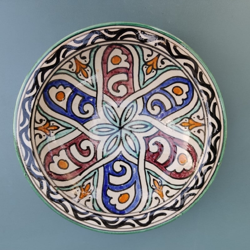 Plato de cerámica árabe