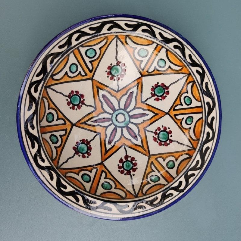 plato de cerámica árabe pintado