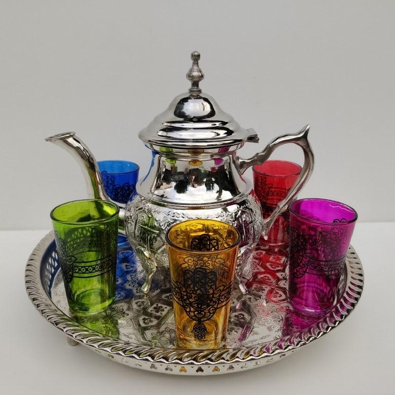 tetera marroquí con bandeja y vasos